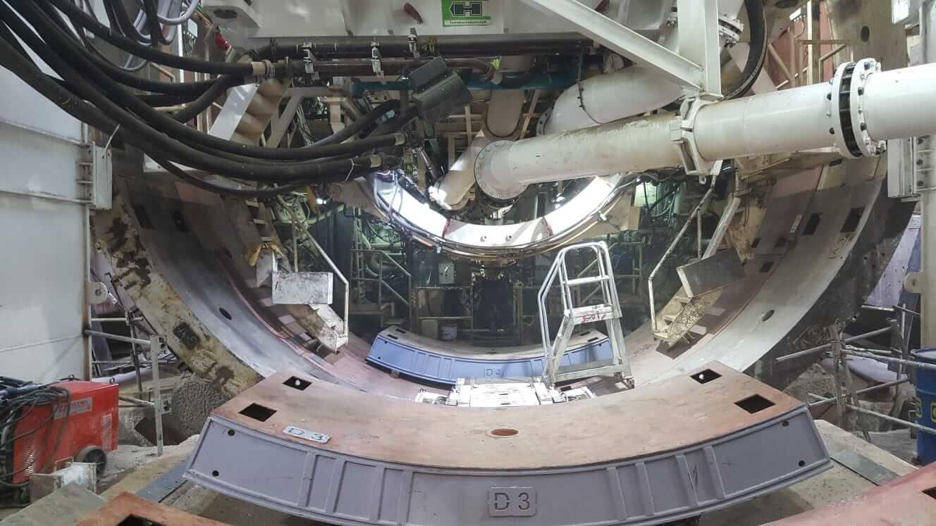 Image de tunnelier avec un voussoir métalique